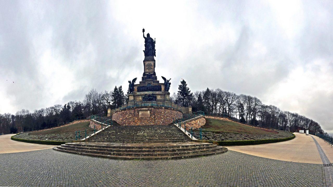 Niederewald Denkmal