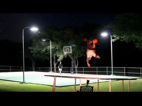 Trick Shot Battle – Dude Perfect